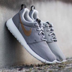 665c3ce89029e Nike Roshe One Running Shoe  Grey Gold White  7.5